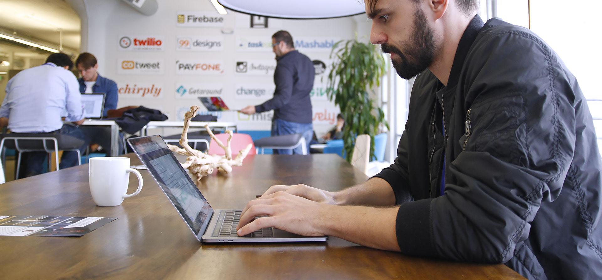Startup-School-Home-Slider-6